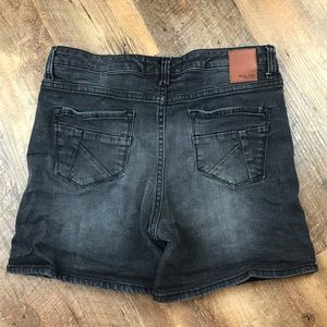 Dear John Black Jean Shorts Sz 28